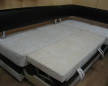 Кухонный уголок со спальным местом