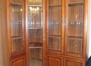 Шкаф для книг угловой со стеклом